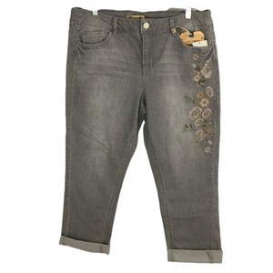 Democracy sz 14 Girlfriend Embroidered Crop Jeans